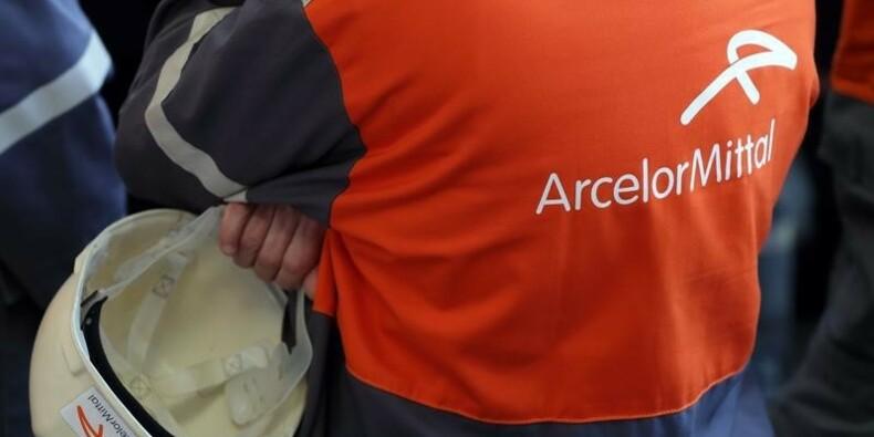 ArcelorMittal abaisse ses prévisions, l'action monte