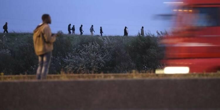 Un chauffard tue un migrant à Calais et prend la fuite