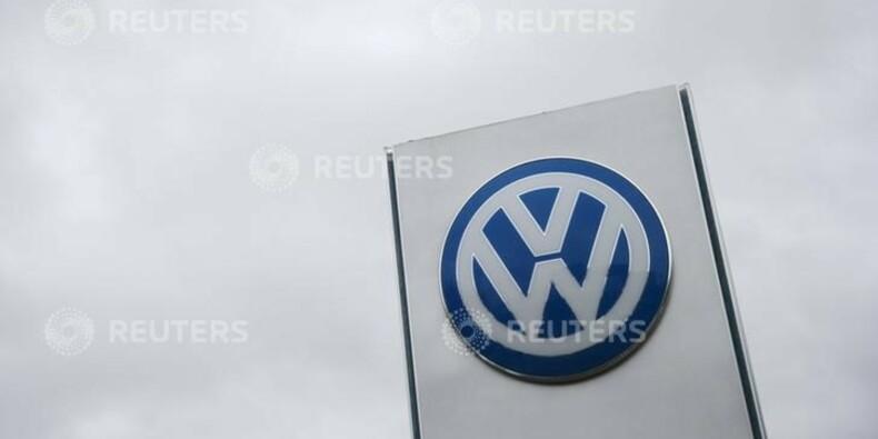 Direction et syndicats de Volkswagen affichent leur unité