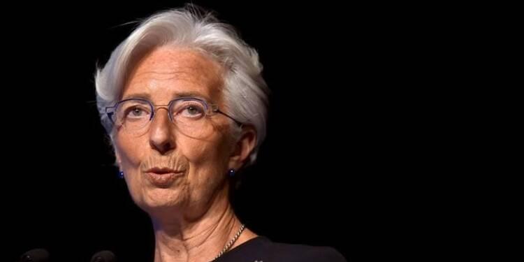 Restructurer la dette grecque serait suffisant, dit Lagarde