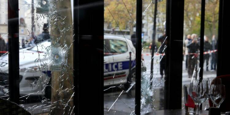 """Trois """"équipes terroristes coordonnées"""" ont commis les attentats"""