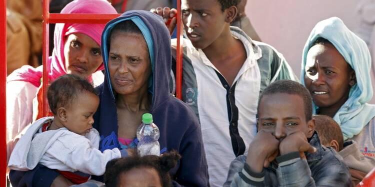 Près de 6.800 migrants secourus ce week-end en Méditerranée