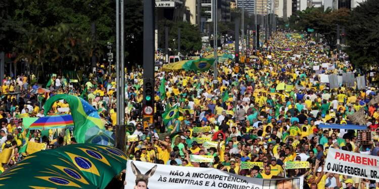 Manifestations au Brésil pour réclamer le départ de Rousseff