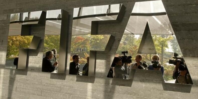 Corruption à la FIFA : Sepp Blatter est appelé de toutes parts à la démission