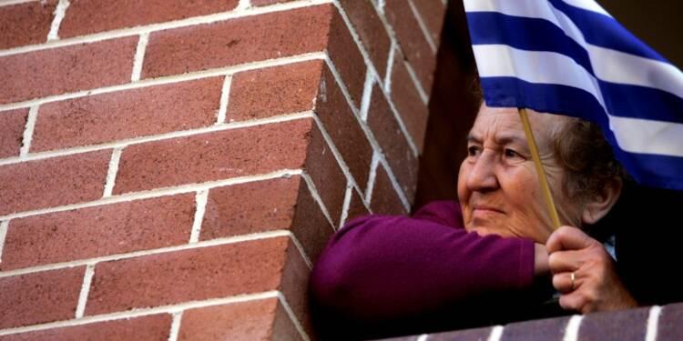 """Les retraités grecs """"dans le rouge"""" malgré un régime avantageux"""