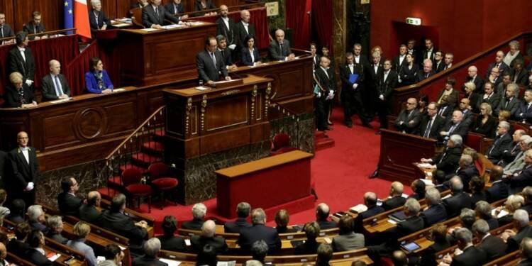 François Hollande lance une offensive militaire et sécuritaire