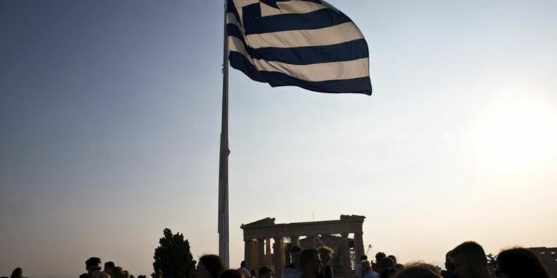 Fitch relève d'un cran la note de la Grèce