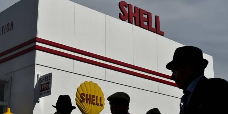 Le bénéfice de Shell pénalisé par de lourdes charges