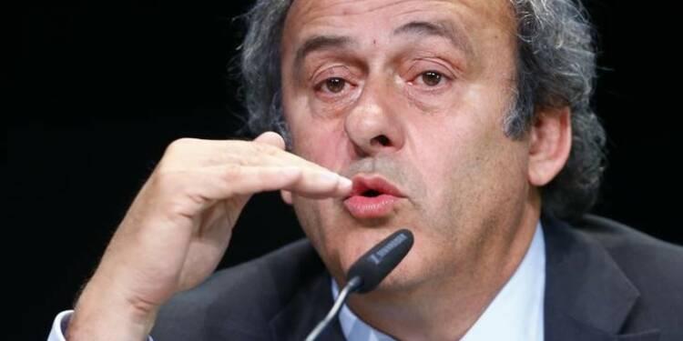 Michel Platini demande la démission de Sepp Blatter de la Fifa