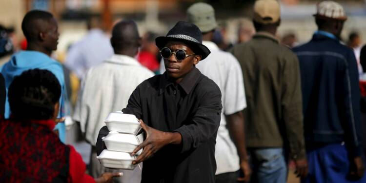 Le président sud-africain rend visite à des immigrés