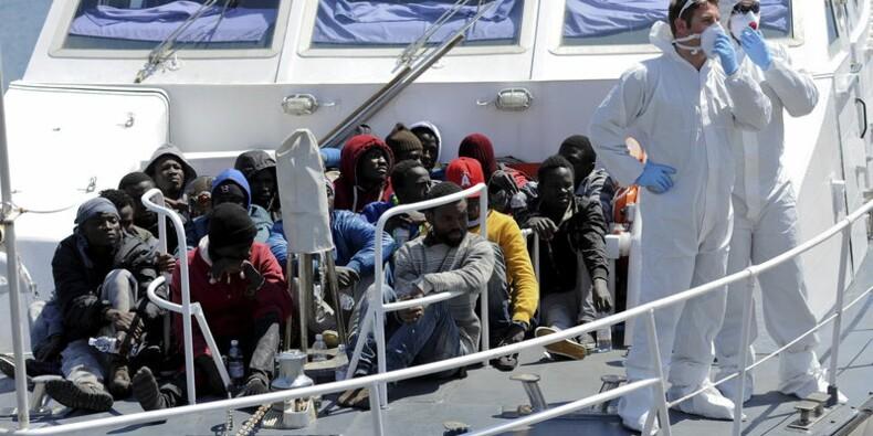La panique a déclenché le naufrage et la mort de 400 migrants