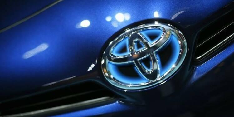 Toyota veut commercialiser des voitures semi-autonomes vers 2020