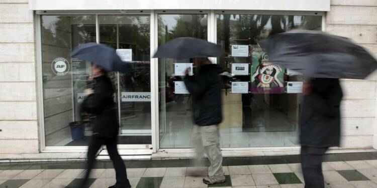 Un sixième salarié d'Air France mis à pied après les violences
