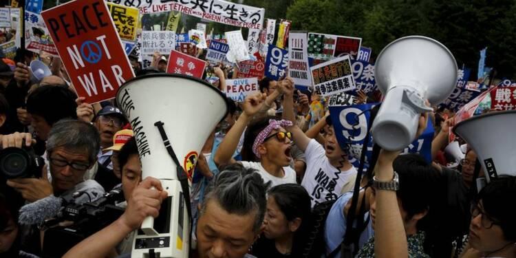 Manifestation pacifiste contre la réforme de la Défense au Japon