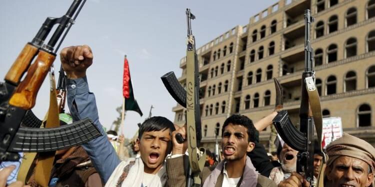 Raids aériens et duels d'artillerie au Yémen malgré la trêve
