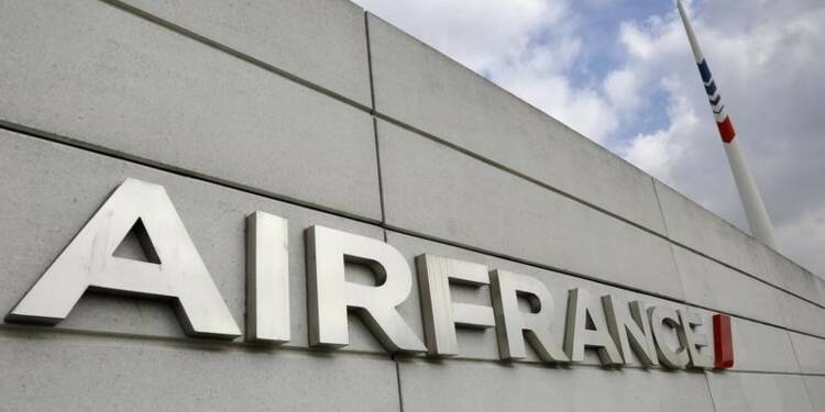 Six salariés d'Air France en garde à vue