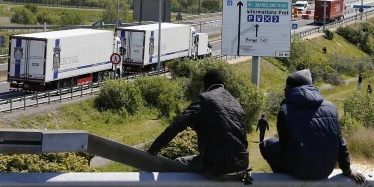 Un migrant meurt sur le site du tunnel sous la Manche