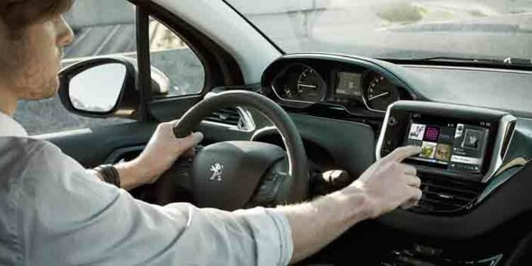 Drivy contre OuiCar : avec lequel louerez-vous la voiture de votre voisin ?