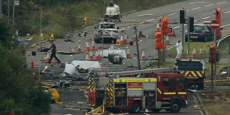Un avion s'écrase lors d'un meeting en Angleterre, sept morts