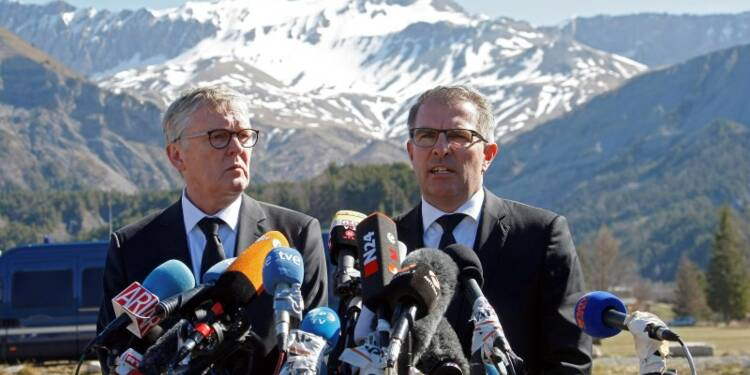 COR-Les patrons de Lufthansa et Germanwings sur le site du crash