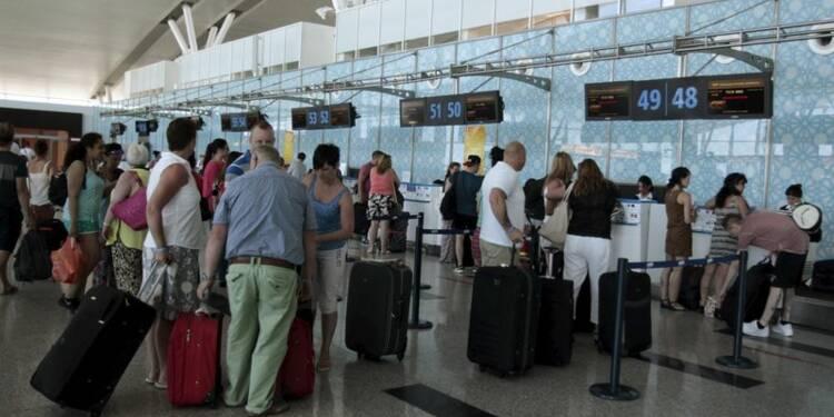 Des milliers de touristes évacués de Tunisie