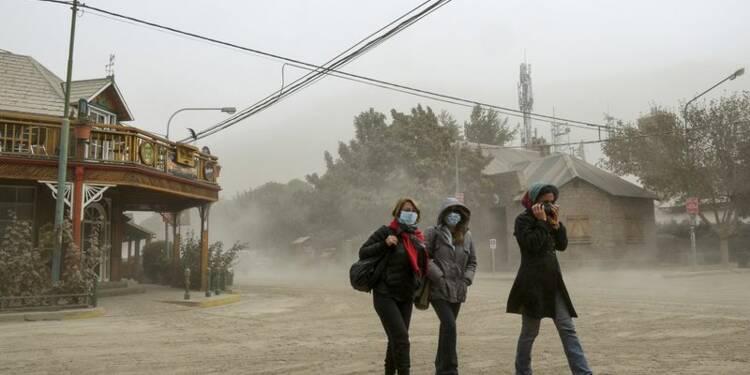 Le réveil du volcan Calbuco, au Chili, perturbe le trafic aérien