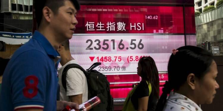 Les Bourses chinoises, en partie paralysées, chutent encore