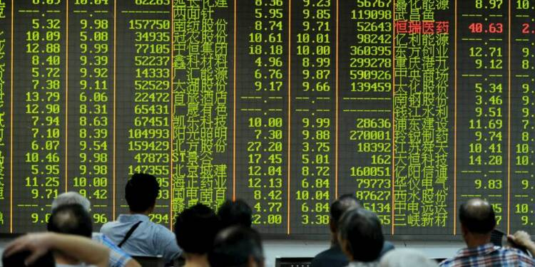 La Bourse de Shanghai chute encore, Pékin garde le silence