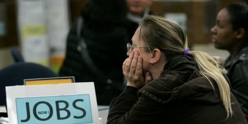 Les inscriptions au chômage aux USA baissent plus que prévu