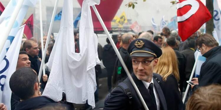 """Air France maintient son """"plan B"""" malgré une embellie cet été"""