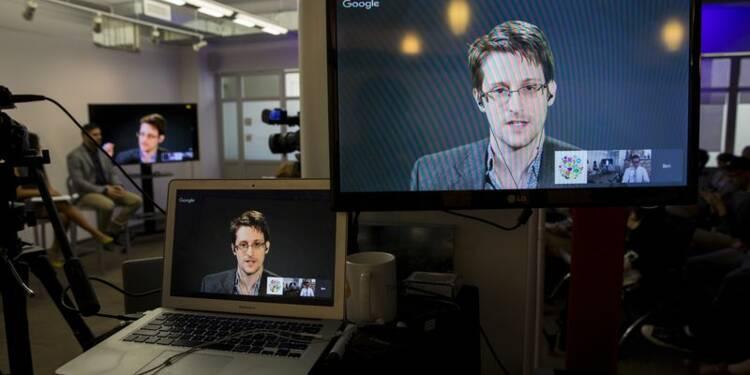 Edward Snowden fait des débuts remarqués sur Twitter