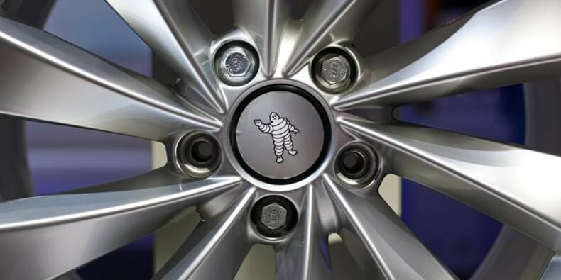 Michelin apprécie l'effet des changes et des matières premières