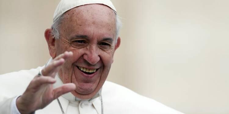 Le Vatican dément que le pape ait une tumeur au cerveau