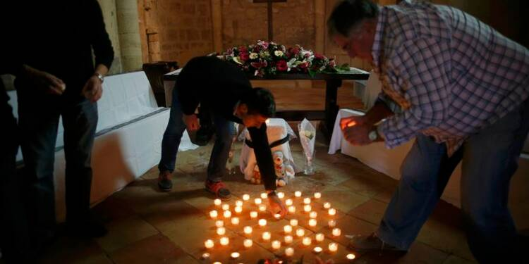 Hollande en Gironde mardi pour rendre hommage aux 43 victimes