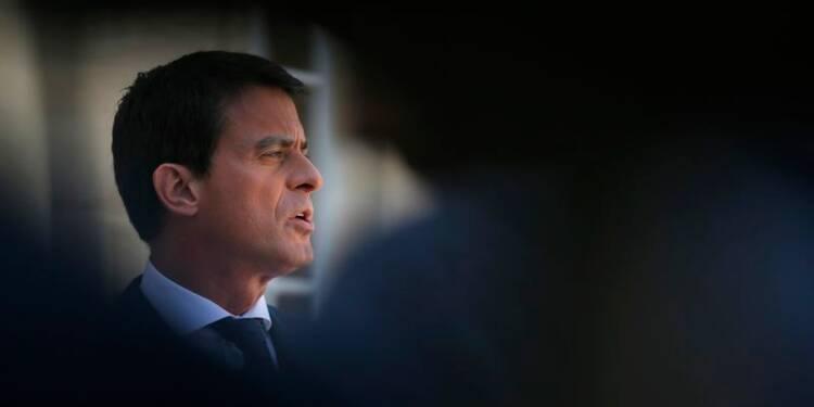 Manuel Valls condamne la profanation de tombes chrétiennes