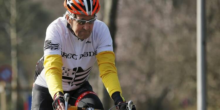 John Kerry chute de vélo et se fracture le fémur
