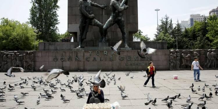 La Turquie dans l'incertitude après les législatives