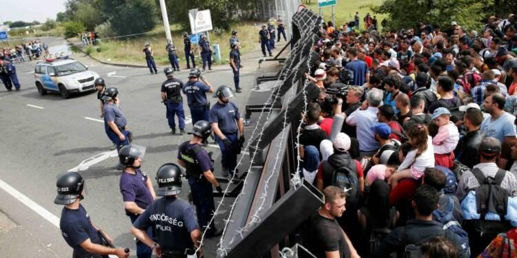 Des centaines de migrants bloqués à la frontière hongroise