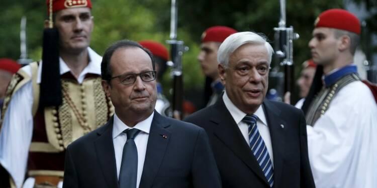 En Grèce, Hollande soutient les réformes et insiste sur la dette