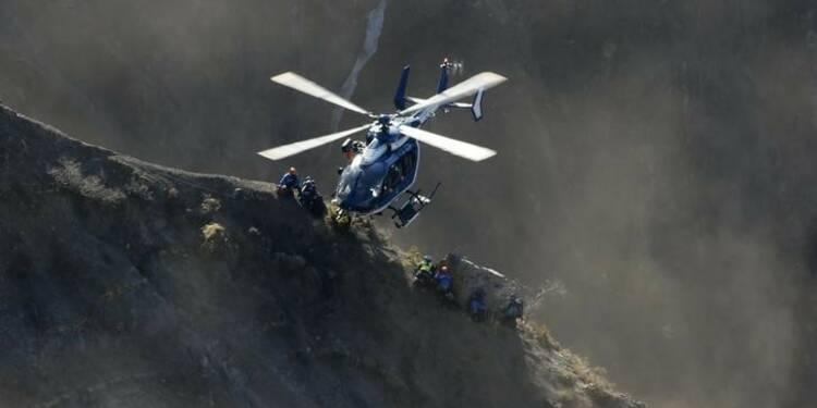 Un chemin d'accès au site du crash de l'A320 mardi ou mercredi