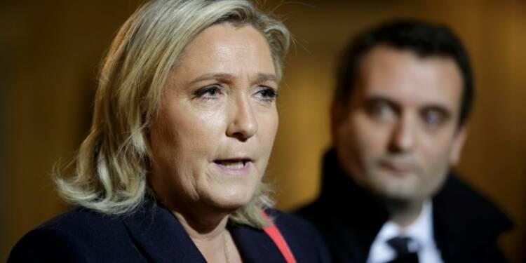 """Marine Le Pen salue des """"bonnes inflexions"""" de François Hollande"""