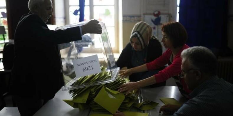 L'AKP pas majoritaire au regard de résultats partiels en Turquie