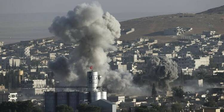 La France envisagerait de frapper l'EI en Syrie