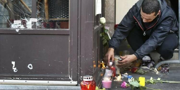 Une centaine de perquisitions en France après les attentats