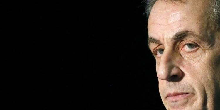 """La """"marche de l'alternance"""" de Nicolas Sarkozy fort entravée"""