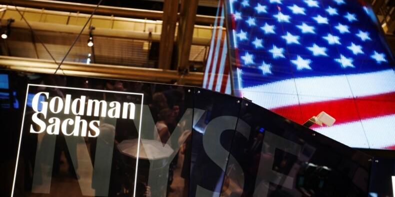 Le bénéfice trimestriel de Goldman Sachs réduit de moitié