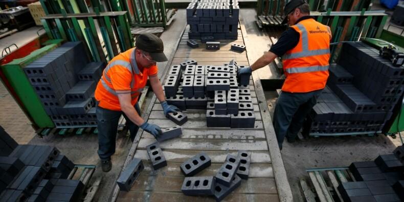 L'industrie a fortement ralenti en avril en Grande-Bretagne