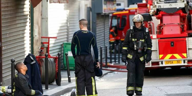 Un suspect interpellé après un incendie meurtrier à Paris
