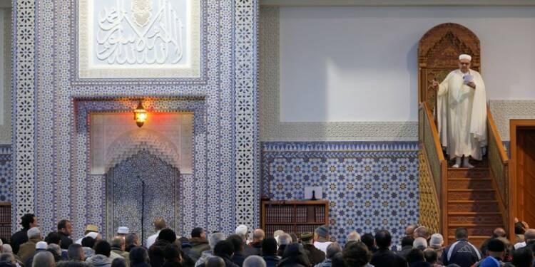 Prêche contre la violence dans les mosquées de France