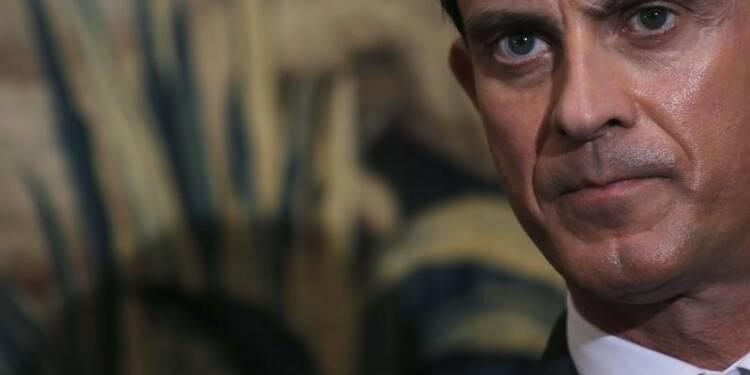 Manuel Valls interpelle la droite sur le FN